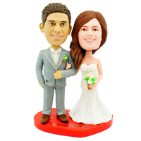 custom made bobblehead bride hold groom's arm